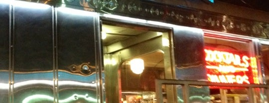 11th Street Diner is one of Chris 님이 좋아한 장소.