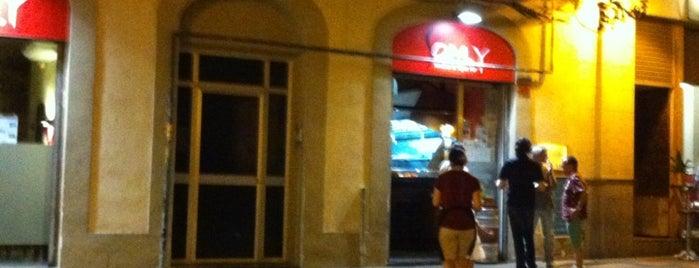 Som.y is one of Bar de futbol - complert.