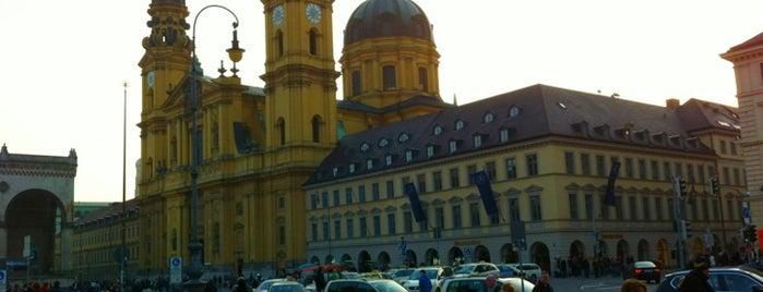 Odeonsplatz is one of Munich Loves U #4sqCities.