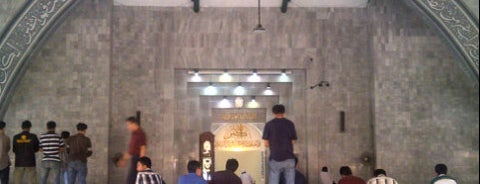 Masjid Ukhuwah Islamiyah (Mesjid UI) is one of Fadlulさんのお気に入りスポット.