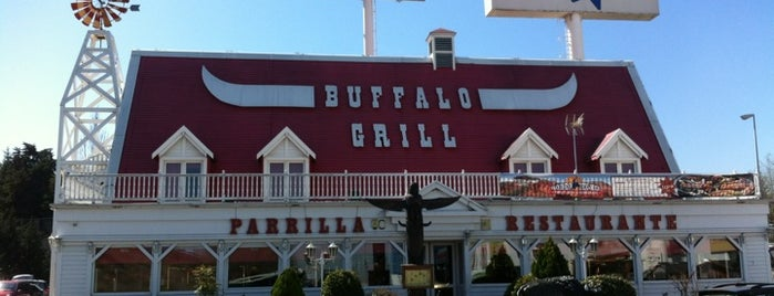 Buffalo Grill is one of Fernandoさんのお気に入りスポット.