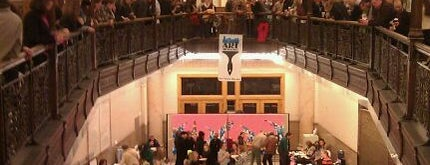 Milwaukee City Hall is one of Lieux qui ont plu à Neil.