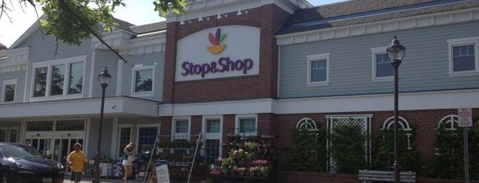 Super Stop & Shop is one of สถานที่ที่ John ถูกใจ.