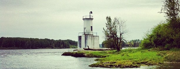 Warrior Rock Lighthouse is one of Dubowes do PDX.