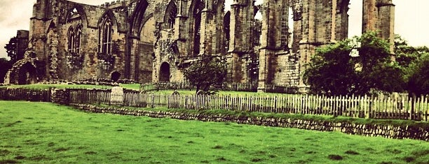 Bolton Abbey is one of Posti che sono piaciuti a Caroline.