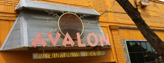 Avalon International Breads is one of Kayla 님이 좋아한 장소.