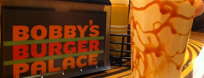 Bobby's Burger Palace is one of Lugares favoritos de Julia Kwan.