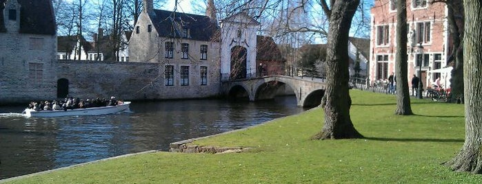 Minnewaterpark is one of brugge.