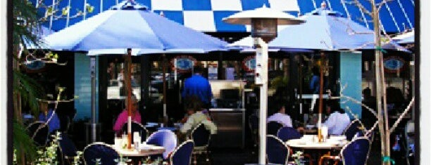 Legal Sea Foods - Boca Raton Town Center is one of Best Bets in Boca.
