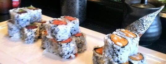 Yoshi Sushi is one of Locais curtidos por Leonor.