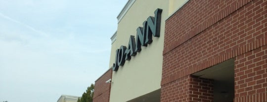 JOANN Fabrics and Crafts is one of Lieux qui ont plu à Youssef.