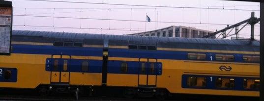 Station Apeldoorn is one of Locais curtidos por Gökhan.