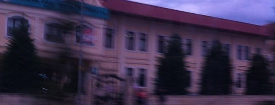 Bahçelievler Öğretmenevi is one of Lieux qui ont plu à Beytullah.