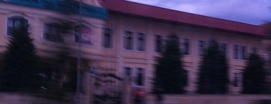 Bahçelievler Öğretmenevi is one of Locais curtidos por 🇹🇷B@yr@M🇹🇷.