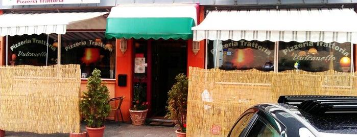 Pizzeria Trattoria Vulcanello is one of Locais curtidos por Mark.