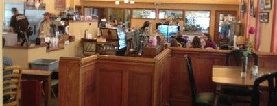 Charming B's Coffee & More is one of Mike'nin Beğendiği Mekanlar.