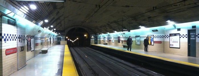 Forest Hill MUNI Metro Station is one of MUNI Metro Stations.