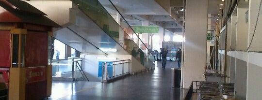 Portal Valparaiso is one of Centros Comerciales de Chile.