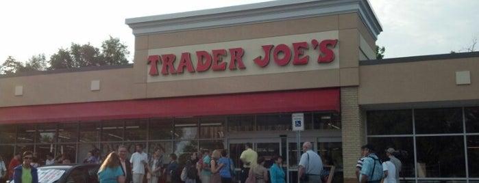 Trader Joe's is one of Gespeicherte Orte von Pam.