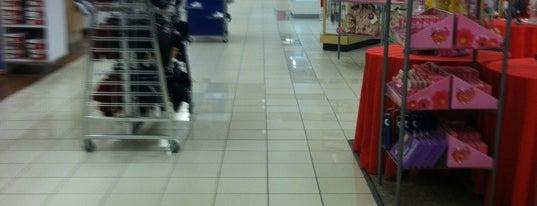 Sears is one of สถานที่ที่ Fernando ถูกใจ.