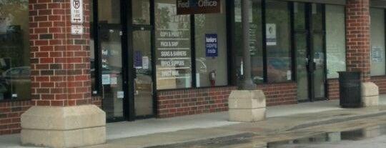 FedEx Office Print & Ship Center is one of Locais salvos de Jeff.