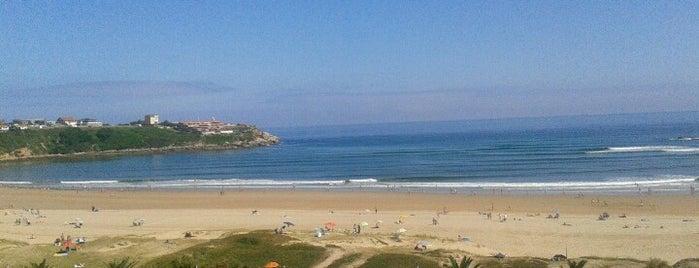 Playa de La Concha is one of De turismo por Cantabria.