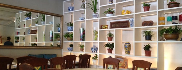 Serai Thai Restaurant is one of Orte, die Rahmat gefallen.
