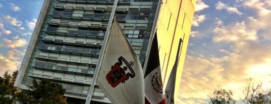 Centro Universitario de Arte, Arquitectura y Diseño (CUAAD Huentitán) is one of Vanessa'nın Beğendiği Mekanlar.