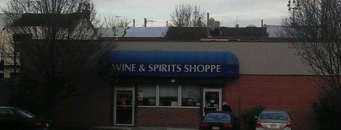 PA Wine & Spirits is one of Locais curtidos por Christopher.