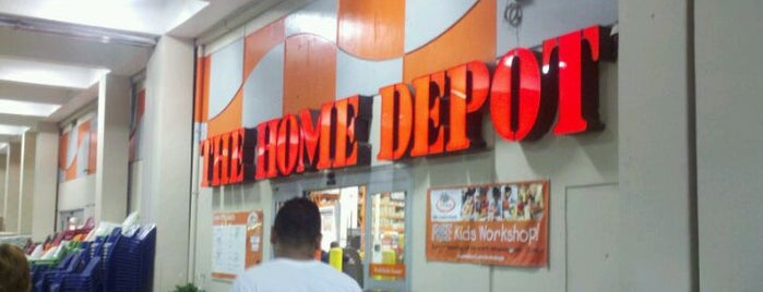The Home Depot is one of Locais curtidos por Cristina.