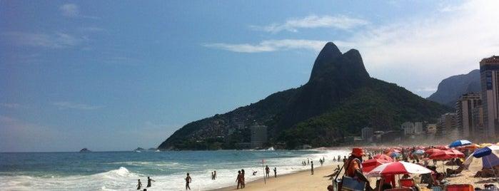 Praia do Leblon is one of Melhores Praias.