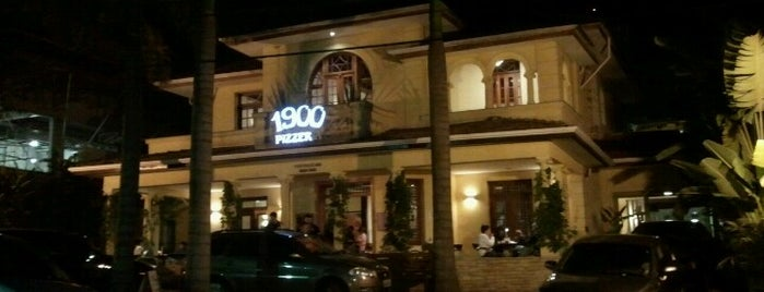 1900 Pizzeria is one of Conhecer.