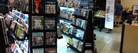 Barnes & Noble is one of Payal 님이 좋아한 장소.