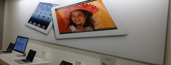 iStore is one of Cancún, MEX.