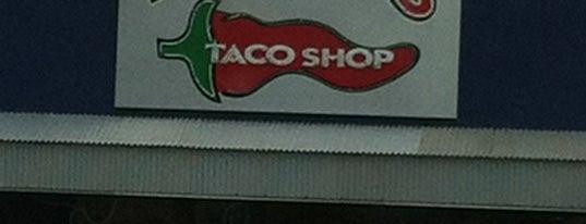 Fuzzy's Taco Shop is one of Jessica'nın Beğendiği Mekanlar.