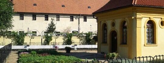 Františkánská zahrada is one of สถานที่ที่ Carl ถูกใจ.