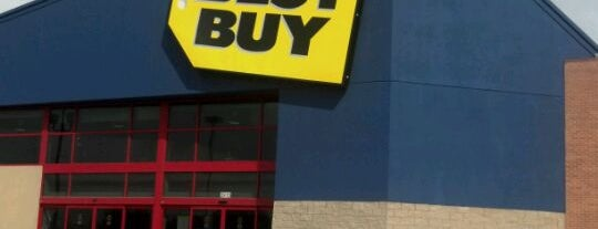 Best Buy is one of Tempat yang Disukai Zarahi.