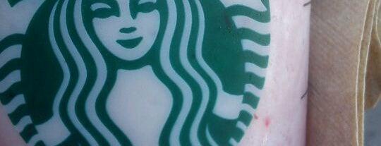 Starbucks is one of Fernanda'nın Beğendiği Mekanlar.