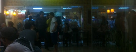 Subway is one of Locais curtidos por Vane.
