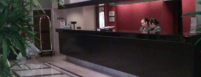 Dallas/Fort Worth Airport Marriott is one of สถานที่ที่ ESTHER ถูกใจ.