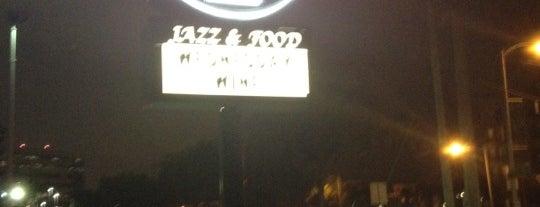 The Fox Jazz Cafe is one of สถานที่ที่ Michelle ถูกใจ.