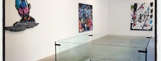 Dvorak Sec Contemporary Gallery is one of praha umělecká / artistic prague.