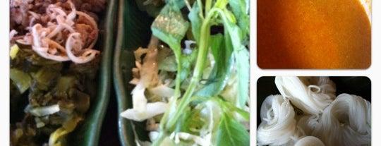 ขนมจีนต้นก้ามปู is one of Sukhothai.
