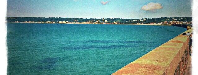 St Aubin's Beach - Esplanade End is one of Posti che sono piaciuti a Rus.