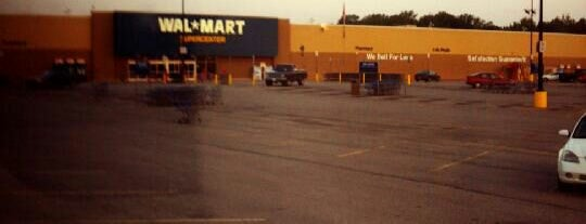 Walmart Supercenter is one of Feleciaさんのお気に入りスポット.