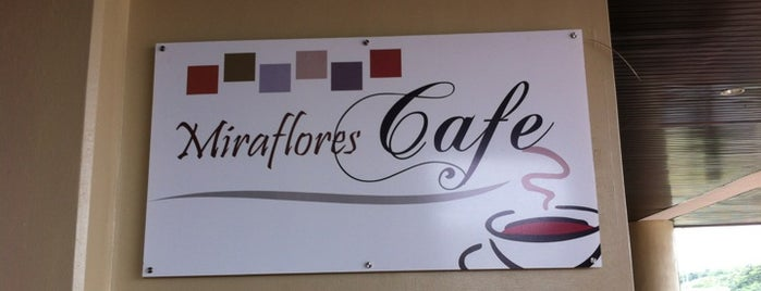 Miraflores Cafe Express is one of Posti che sono piaciuti a Cristina.