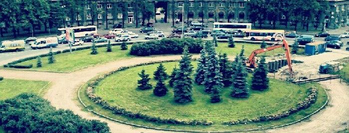 Комсомольская площадь is one of Места готовые к видеотрансляции.