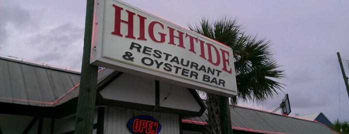 Hightide Oyster Bar is one of Lugares favoritos de Gavin.