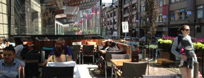 Cactus Club Cafe is one of Tempat yang Disukai Sarp.