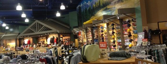 Sun & Ski Sports is one of Lugares favoritos de Tania.